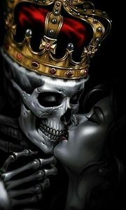skull in the crown